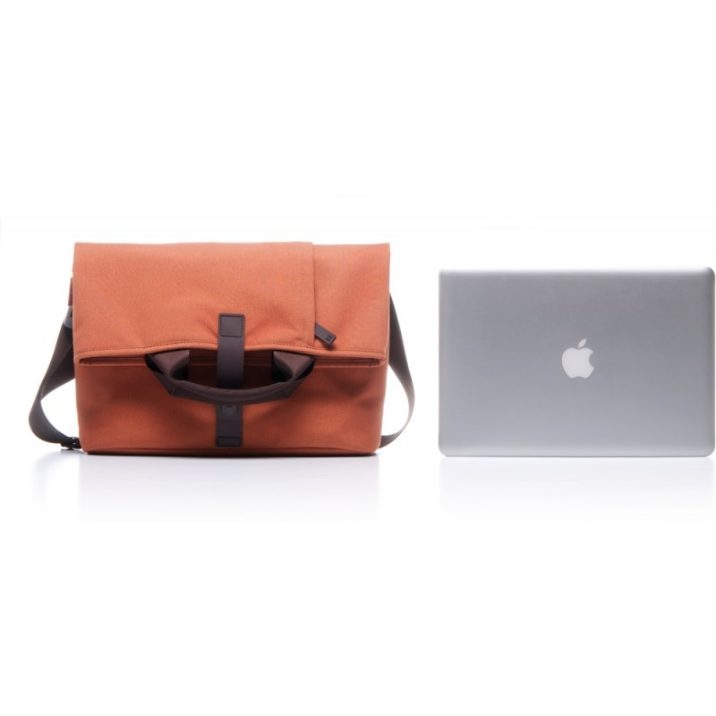 Bluelounge Postal Bag MacBook 13 / 15 inch rostbraun